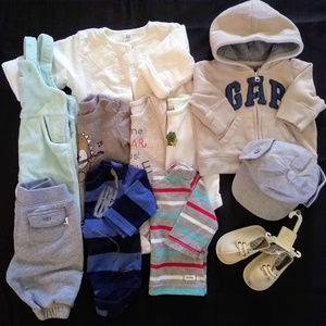 Baby Gap Infant boys NB 0-3 Months Clothing Bundle